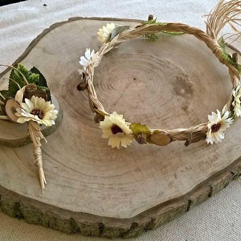 saç tacı ve damat yaka çiçeği